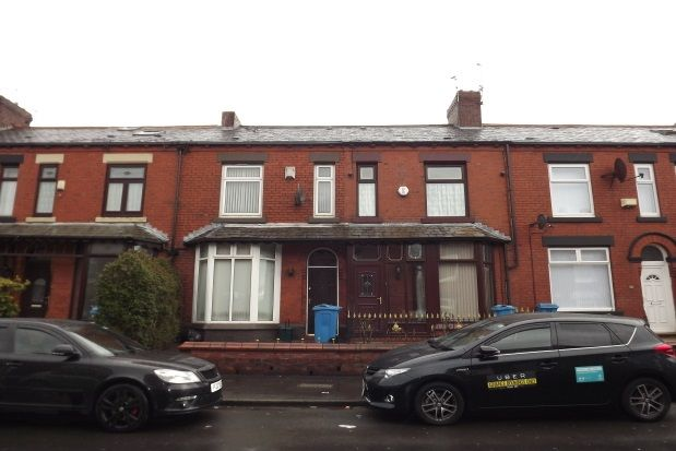 Thumbnail Property to rent in Gainsborough Avenue, Oldham