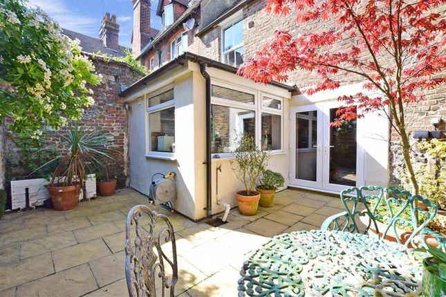 Thumbnail Cottage for sale in Queen Street, Arundel, West Sussex