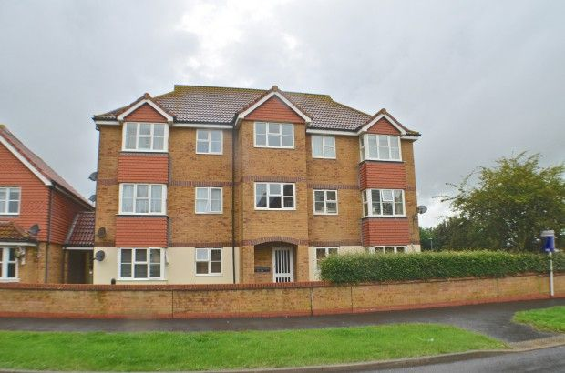 Thumbnail Flat to rent in Southampton Close, Sovereign Harbour, Eastbourne