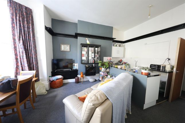 Thumbnail Flat for sale in Albany Street, Hull
