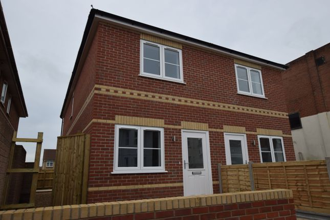 Thumbnail Property To Rent In Calvin Road Winton Bournemouth