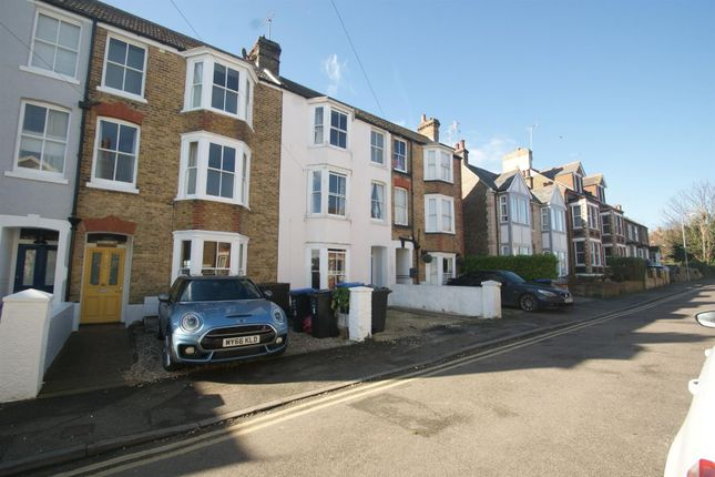 Thumbnail Property to rent in Alexandra Road, Broadstairs
