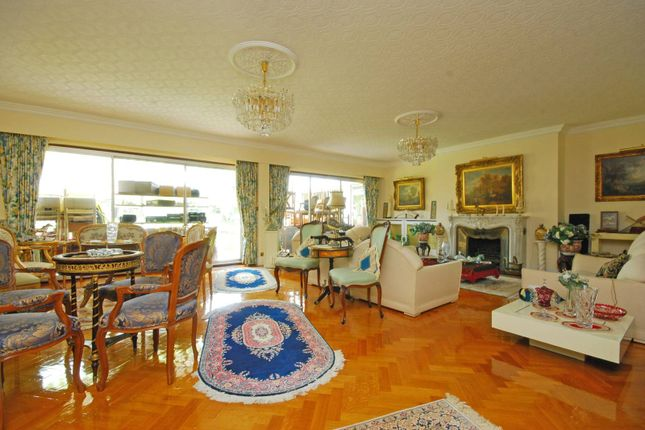 Thumbnail Detached house for sale in Roedean Crescent, Roehampton