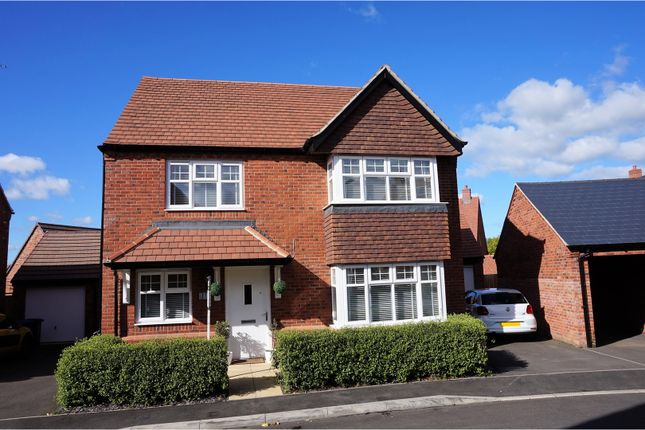 Thumbnail Detached house for sale in Otters Holt, Stratford-Upon-Avon