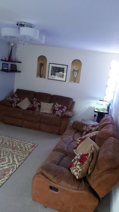 Lounge of Mill Lane, Huthwaite, Sutton-In-Ashfield NG17