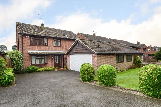 Thumbnail Detached house for sale in Newbold Road, Barlestone, Nuneaton