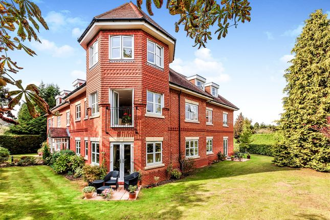 The Avenue, Executive Penthouse Apartment, Tadworth KT20