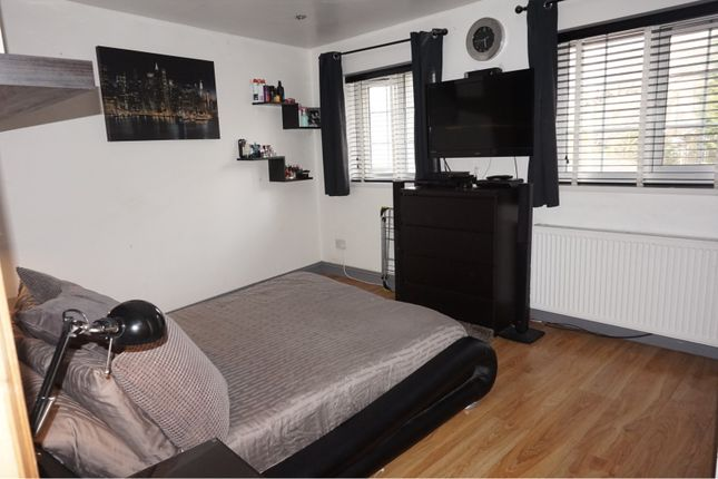 Bedroom Three of Oldbury Close, Hopwood OL10