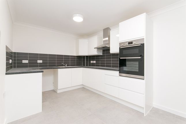 Thumbnail Flat for sale in Victoria House, Eld Lane, Colchester