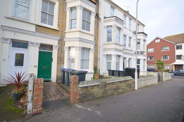 Flat to rent in Gordon Road, Cliftonville, Margate