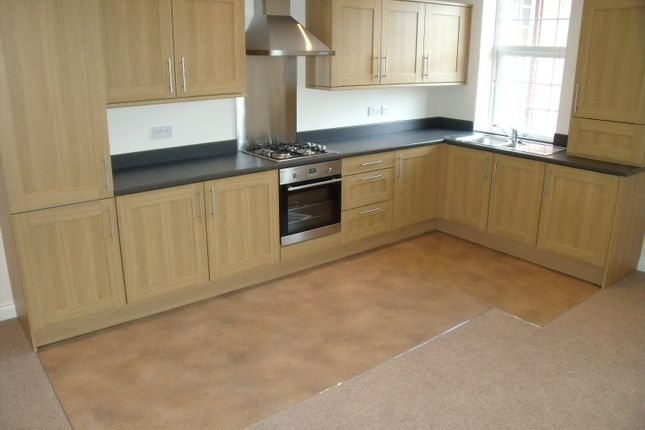 Thumbnail Flat to rent in Cemetery Road, Hemingfield, Barnsley