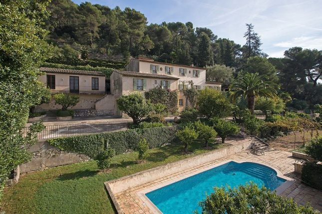 Villa for sale in Saint Paul De Vence, French Riviera, France