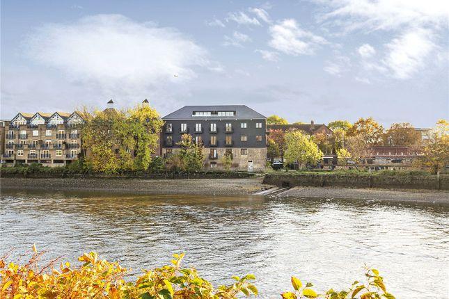 Thumbnail Flat for sale in Boat Race House, 63 Mortlake High Street, London