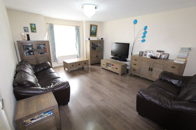 Thumbnail Terraced house for sale in Vales Place, Cambridge