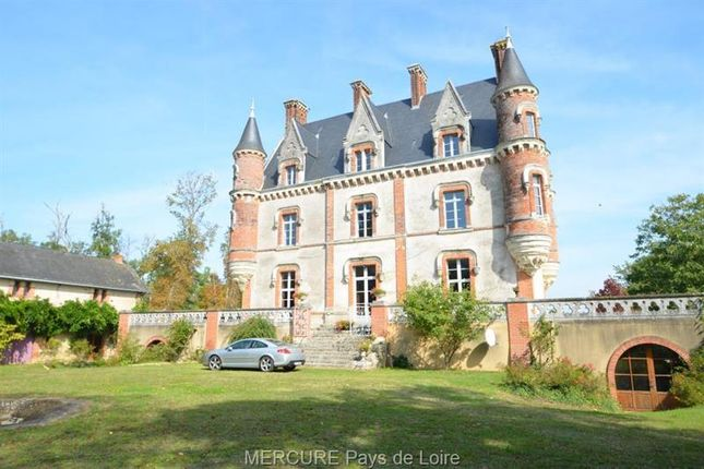 Thumbnail Property for sale in Valanjou, Pays-De-La-Loire, 49670, France