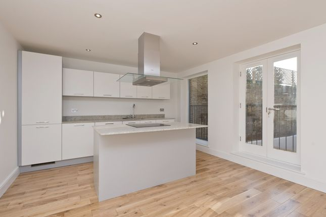 Thumbnail Flat to rent in Alderbrook Road, London