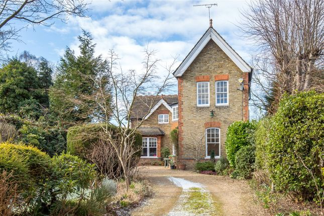 Thumbnail Detached house for sale in Oakleigh Park North, Whetstone, London