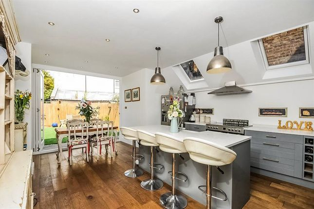 4 bed terraced house for sale in Grove Park Road, London