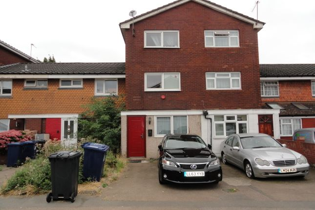 Thumbnail Town house for sale in Hapgood Close, Greenford