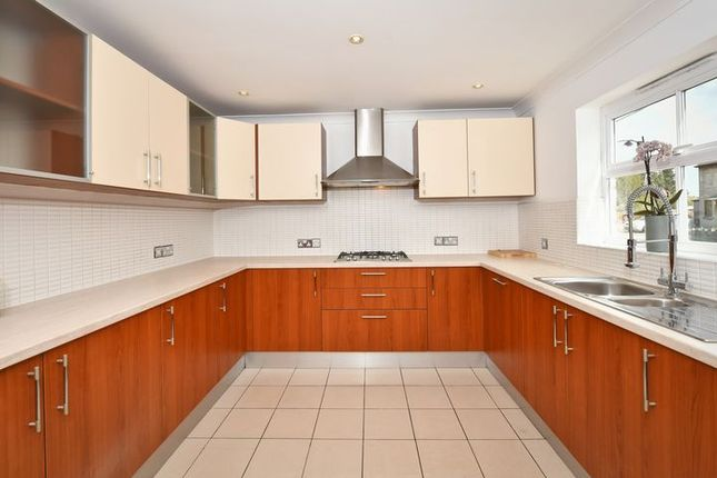 Thumbnail Detached house for sale in North Street, Calne