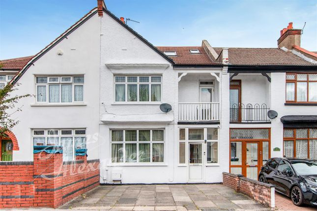4 bed property for sale in Melrose Avenue, London SW16