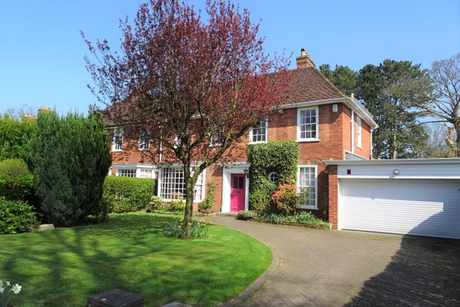 Thumbnail Semi-detached house to rent in Brueton Avenue, Solihull