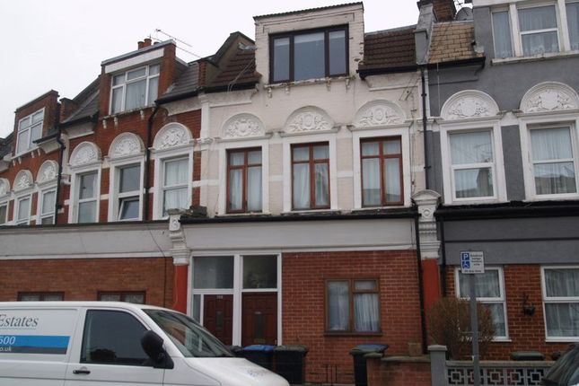 2 bed flat for sale in Whittington Road, London