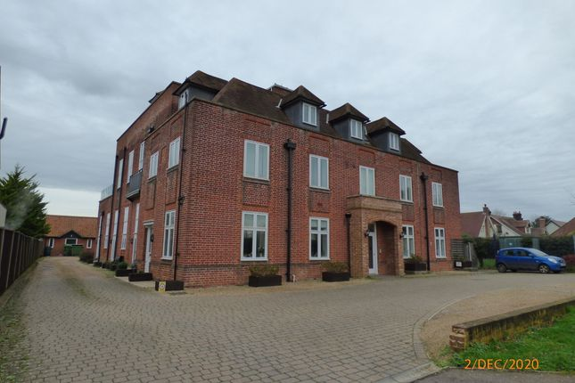 2 bed flat to rent in Norwich Road, Halesworth IP19