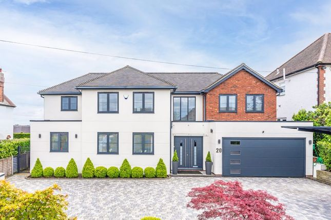 Thumbnail Detached house for sale in Hanyards Lane, Cuffley, Potters Bar