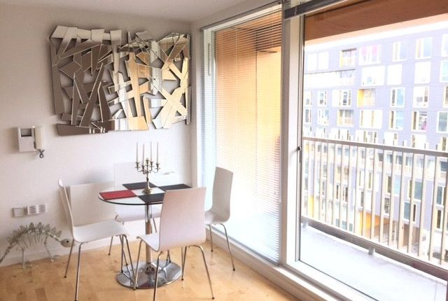Thumbnail Flat to rent in The Avenue, Leeds, West Yorkshire