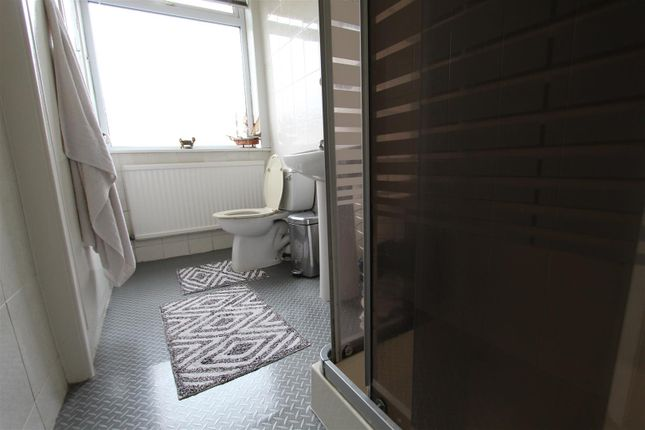 Bathroom of Athletic Street, Burnley BB10