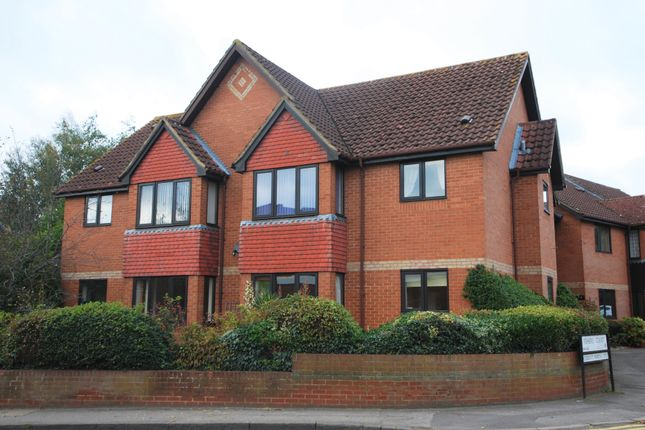Thumbnail Property to rent in Fishers Court, Peppard Road, Emmer Green, Reading