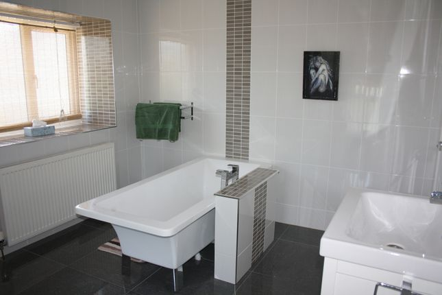 Family Bathroom of Main Road, Waterston, Milford Haven SA73