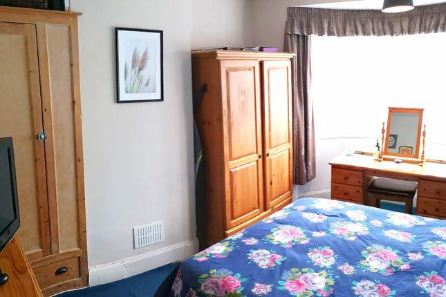 Bedroom 1 of Vale Grove, Gosport PO12