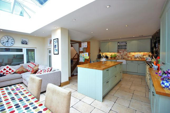 Thumbnail Cottage for sale in 30 High Street, Winterbourne