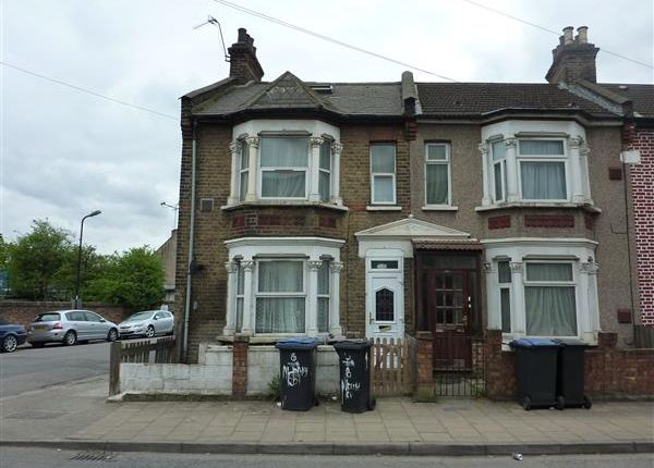 Thumbnail Flat to rent in Albany Road, London