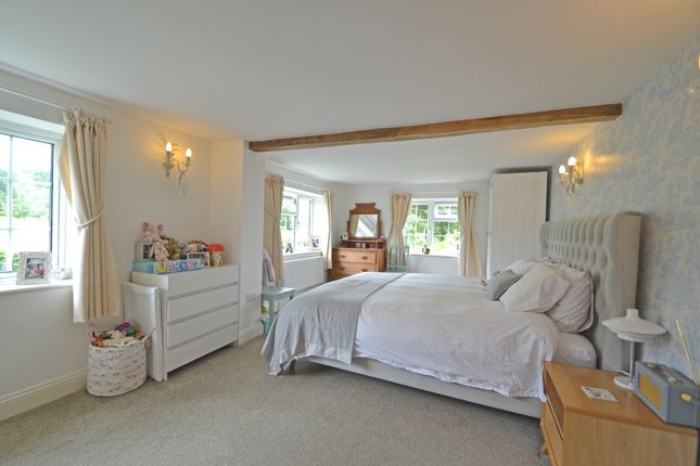 Master Bed of Lyons Road, Slinfold, Horsham RH13