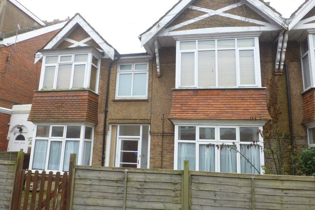 Thumbnail Flat to rent in Richmond Avenue, Bognor Regis