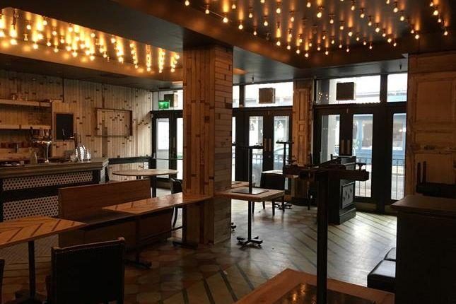 Thumbnail Pub/bar to let in 29-31 York Street, Twickenham, London