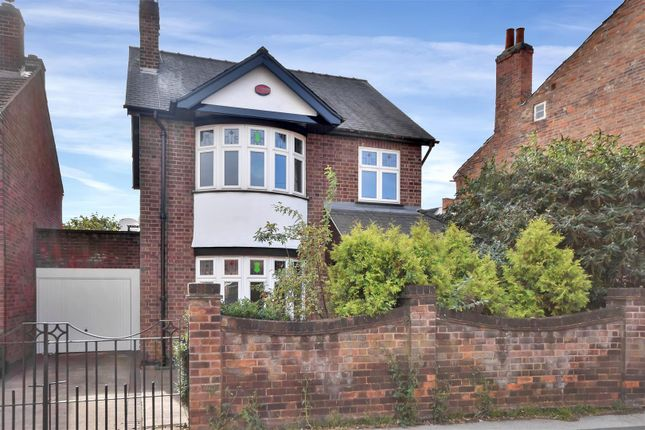 Thumbnail Link-detached house for sale in Victoria Street, Newark