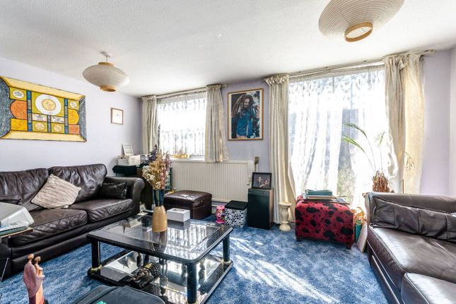 Thumbnail Property for sale in Sedgemore Place, Peckham