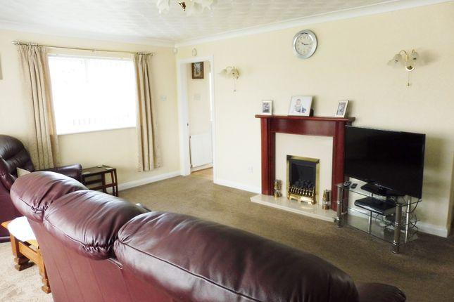Lounge of Cloughfields Road, Hoyland S74
