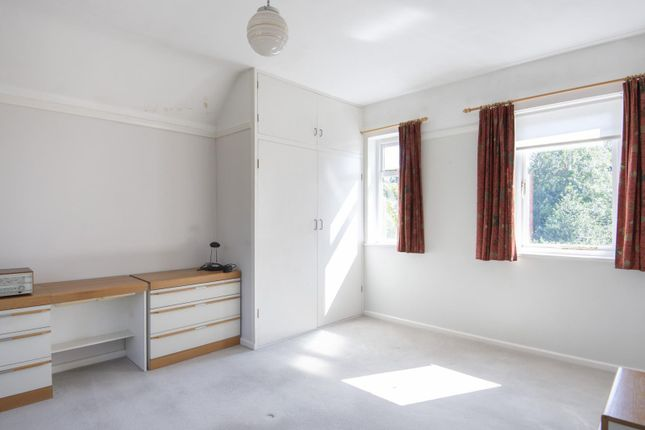 Bedroom One of Shinfield Road, Reading RG2