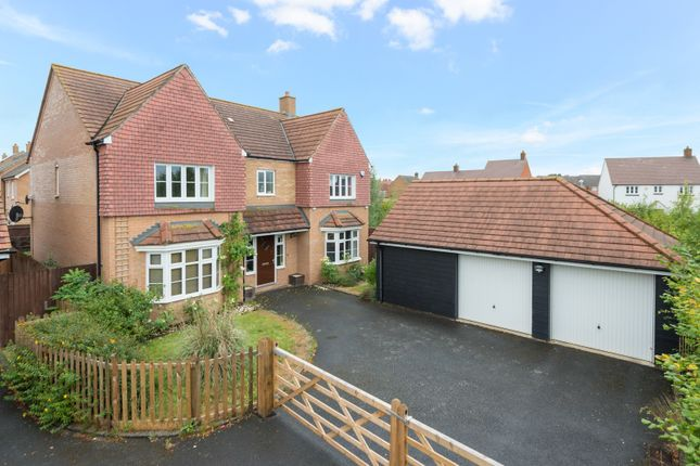 Thumbnail Detached house for sale in Southdown Close, Ashford