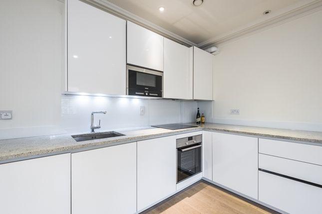 2 bedroom flat to rent in Trinity Street, London