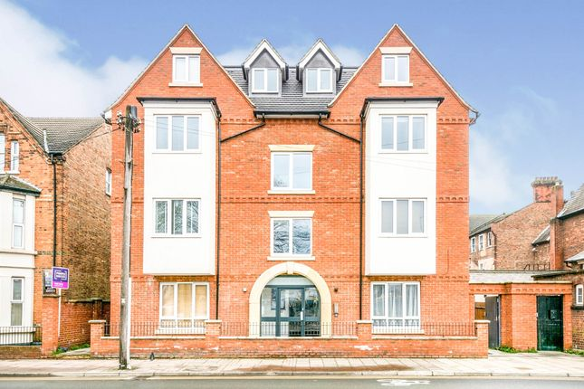 2 bed flat for sale in Ashburnham Road, Bedford MK40
