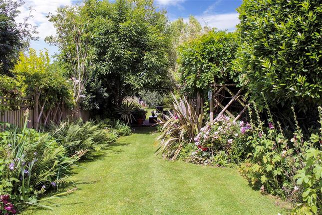 Garden New of Oast Court, Yalding, Maidstone, Kent ME18