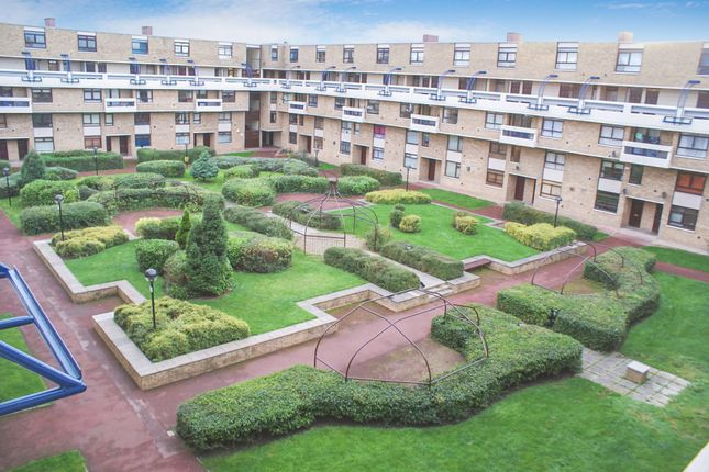 2 bed flat to rent in Collingwood Court, Washington NE37