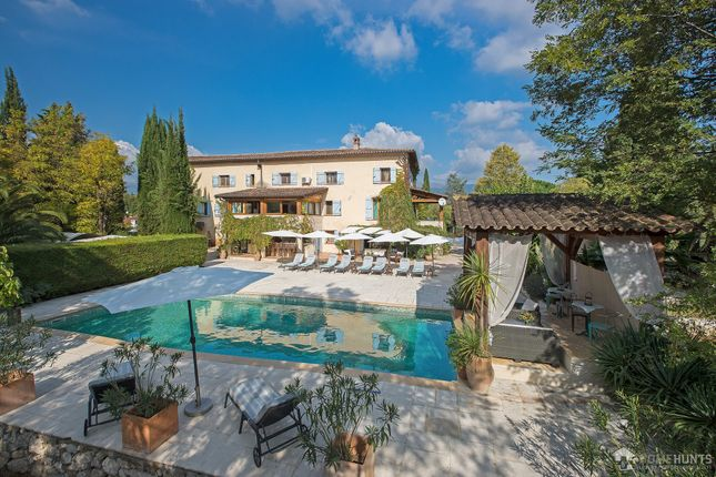 Thumbnail Property for sale in Roquefort Les Pins, Alpes Maritimes, France