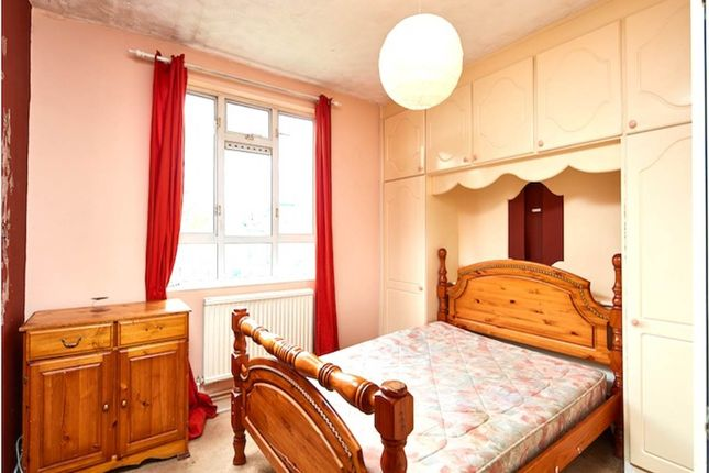 Thumbnail Flat to rent in Old Bethnal Green Road, London